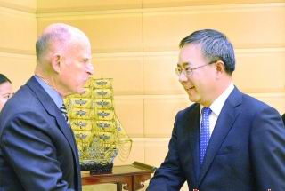 Hu  meeting with Governor Jerry Brown